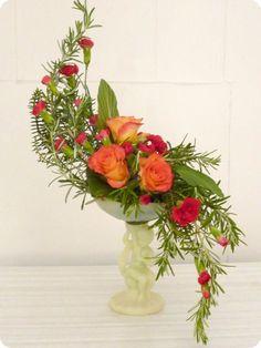 Alfa Img Showing > Hogarth Curve Floral Arrangement