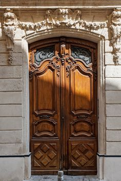 Magnificent antique French wood doors and limestone facade. Photo: Haven In. Custom Interior Doors, Custom Wood Doors, Interior Barn Doors, Antique French Doors, How To Antique Wood, French Antiques, French Decor, French Country Decorating, Main Entrance Door Design