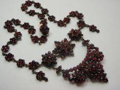 Bidermaier náhrdelník s českými granáty