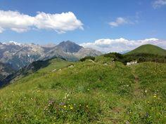 """#Österreich """"Gipfelglück in Österreich – Unterwegs auf dem Blumenberg"""" lies mehr über diesen Ausblick auf www.goodmorningworld.de"""