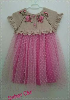 Discover thousands of images about Beautiful knitting with crochet edges!Discover thousands of images about Hand knitted dress for baby girl Crochet Dress Girl, Crochet Girls, Crochet Baby Clothes, Baby Tulle Dress, Little Girl Dresses, Baby Dress Patterns, Baby Knitting Patterns, Crochet Patterns, Toddler Outfits