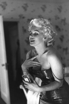 Мэрилин Монро будет рекламировать Chanel No.5 - http://spletnitv.ru/merilin-monro-budet-reklamirovat-chanel-no-5/