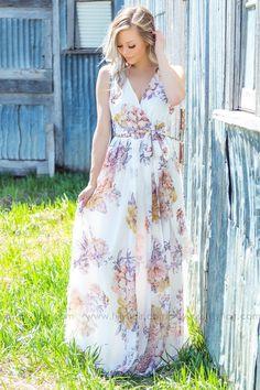My bridal shower dress! Flower Dresses, Floral Maxi Dress, Maxi Dresses, Country Bridesmaid Dresses, Filly Flair, Sister Wedding, Event Dresses, Feminine Style, Formal