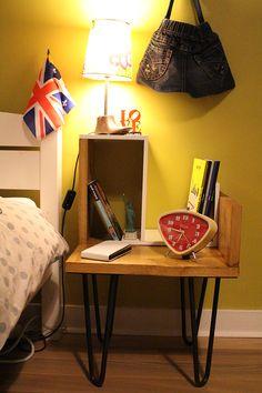 Do It Yourself !  Voici une belle réalisation de table de chevet authentique.