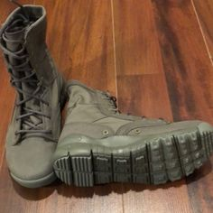 wholesale dealer 5ff81 95435 Nike Shoes   Nwt Nike Special Field Boot   Color  Green   Size  5