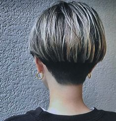 Medium Short Hair, Short Hair Cuts For Women, Medium Hair Styles, Short Hair Styles, Short Wedge Hairstyles, Pixie Hairstyles, Pixie Haircut, Shaved Bob, Angled Bobs