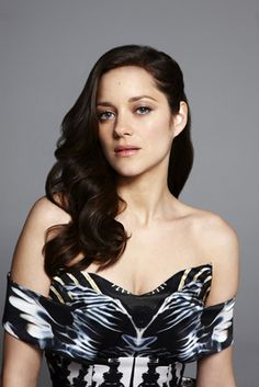 Marion Cotillard posters - Size: 12 x 17 inch, 18 x 24 inch, 24 x 32 inch Brunette Actresses, Female Actresses, Actors & Actresses, Marion Cotillard Style, Marion Cottilard, Public Enemies, Portraits, French Actress, French Girls