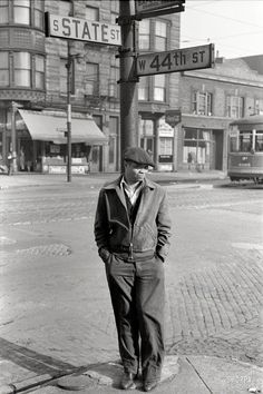 "U.S. ""Street scene, South Side Chicago."", 1941 // by Edwin Rosskam for the Resettlement Administration."