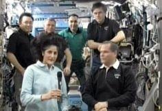 धरती पर लौटीं अंतरिक्ष परी सुनीता विलियम्स