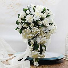 Wedding+Flowers+Free-form+/+Cascade+Roses+Bouquets+Wedding+/+Party/+Evening+Foam+–+USD+$+22.99