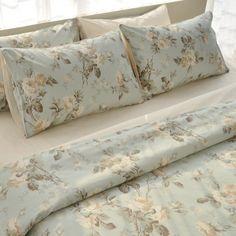 Motif Rose Duvet Cover Set-King Size. Shabby Chic Bedding. Cottage bedding. Country bedding. Wedding bedding. Romantic bedding.