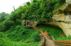 NEBRASKA: Most Beautiful Places in Nebraska (valentine on valentines day, or indian cave hike)