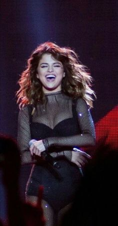 That smile? That smile? Selena Gomez The Weeknd, Estilo Selena Gomez, Selena Gomez Fotos, Selena Gomez Style, Boyfriend Justin, Selena Gomez Wallpaper, Look At Her Now, Jennifer Winget, Marie Gomez