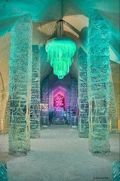 Ice+Hotel,+Quebec.jpg 333×503 pixels
