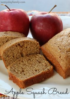 Apple Squash Bread! Healthy breakfast or snack that kids will love (and they won't know they're eating vegetables!)