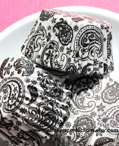 Black Paisley Cupcake Liners Baking Cups by thebakersconfections