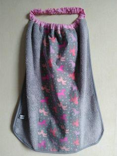 Serviette élastique cantine fille grise motifs licornes, serviette de table enfant éponge grise motifs licornes