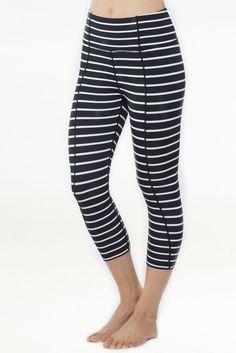 #howtodrop15poundsfood Yoga Leggings, Black Leggings, Lose 15 Pounds, Stripes Fashion, Stripes Design, Black Stripes, Model, Pants, How To Wear