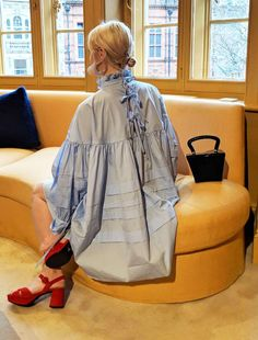 We Try Before You Buy: The 2019 Trends Our Editors Will Invest In Fashion editor trends Bows Ugly Dresses, Nice Dresses, Summer Dresses, Prom Dresses, Look Fashion, Fashion Details, Womens Fashion, Fashion Design, Fashion Editor