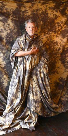 Marie Mimran- Ian MacKellen By Frederic Aranda Met Gala Red Carpet, Golden Globes, Cannes Film Festival, Oscars, Game Of Thrones Characters, Statue, Adventure, Sweet, Christmas