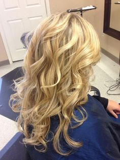 Highlights and big loose curls