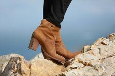 Botines de Itshoes Chelsea Boots, Wedges, Ankle, Shoes, Fashion, Shoe, Beauty, Moda, Shoes Outlet