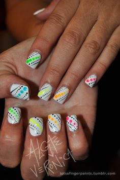 White n Polka Dots Nails Dot Nail Art, Polka Dot Nails, Neon Nails, Love Nails, Diy Nails, Pretty Nails, Polka Dots, Rainbow Nails, Garra