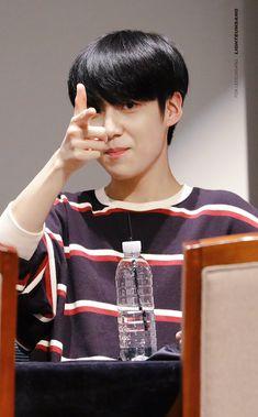 Pretty Boys, Cute Boys, All About Kpop, Quantum Leap, K Idol, Kpop Boy, New Music, Singing, Songs