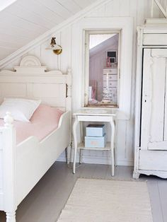 This would be a great little girls room with steps up to the bed. via Vintage Rose Brocante