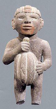 De acuerdo con la mitología maya, Kukulkán le dio el cacao a los mayas después de la creación de la humanidad, hecha demaíz por la diosa Xmucané (Bogin 1997, Coe 1996, Montejo 1999, Tedlock 1985). Los mayas celebraban un festival anual en abril, para honrar al dios del cacao, Ek Chuah, un evento que incluía sacrificios deperros y otros animales con marcas pintadas de chocolate; ofrendas de cacao; plumas, incienso e intercambios de regalos.   www.mitosleyendas.com/la-leyenda-del-cacao.html#