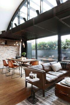 salon et salle à manger avec meubles vintage et déco loft industriel