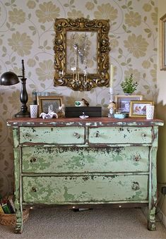 shabby decor..love, love this chippy dresser