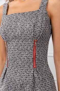 Fashion Sewing, Diy Fashion, Ideias Fashion, Fashion Dresses, Clothing Hacks, Dress Sewing Patterns, Sewing Clothes, Refashion, Fashion Details