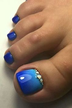 c12e67d71d3529 30 Toe Nail Designs To Keep Up With Trends. Summer Toe NailsBlue ...