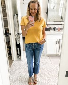 Casual jeans & tee style Midweek casual mom style! Flare cropped jeans, cute tee, and leopard sandals! #shopstyle #MyShopStyle #oldnavy #americaneagle #stelladotstyle #targetstyle