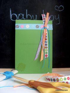 Γεμάτη κορδελίτσες αυτή η πράσινη μπομπονιερίτσα... Πράσινο φακελάκι με πολύχρωμες και καρώ κορδέλες, τυρκουάζ κορδονάκι και μια μικρή λεπτομέρεια από πράσινο πουά washi tape. Τιμή: 1,50 ευρώ. Washi, Baby Boy, Frame, Handmade, Home Decor, Picture Frame, Hand Made, Decoration Home, Room Decor