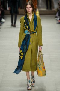 Burberry Prorsum Fall 2014 Ready-to-Wear Collection - Vogue Fashion Week, Look Fashion, Runway Fashion, Winter Fashion, Fashion Show, Fashion Outfits, Fashion Trends, Review Fashion, Fasion