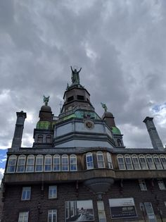Montreal Architecture, Statue Of Liberty, Louvre, City, Building, Travel, Beautiful, Statue Of Liberty Facts, Viajes