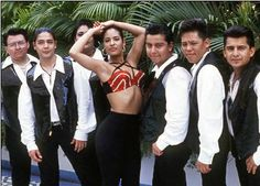 Selena y Los Dinos (Lmao suzette is me in every picture) Selena Quintanilla Perez, Selena And Chris Perez, Celebs, Celebrities, Aaliyah, American Singers, Role Models, Beautiful People, Selena Selena