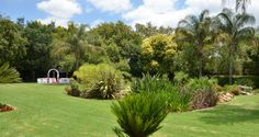 Bush Loerie Function Venue - Lavish green gardens, perfect for that summer wedding