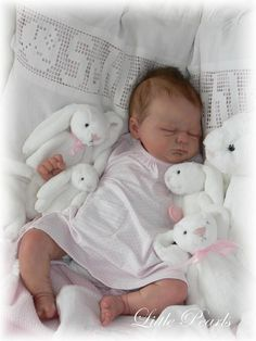 Ivy by Elisa Marx is a sleeping baby vinyl reborn doll kit that comes with a sculpted head, arms, and full legs. We recommend our 504 body to go with this doll kit. Bb Reborn, Silicone Reborn Babies, Silicone Baby Dolls, Reborn Dolls, Life Like Baby Dolls, Life Like Babies, Newborn Baby Dolls, Baby Girl Dolls, Reborn Toddler Girl