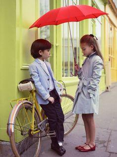 Haute Design by Sarah Klassen: Style: Vogue Enfants Red Umbrella, Under My Umbrella, Umbrella Girl, Inspiration Mode, Fashion Moda, Stylish Kids, Kid Styles, Little People, Kind Mode
