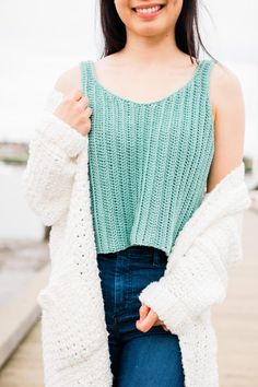 Crochet Ribbed Tank Top - free pattern + video tutorial - For The Frills Crochet Top Outfit, Crochet Shirt, Crochet Clothes, Crochet Vests, Crochet Summer Tops, Crochet Halter Tops, Crop Top Pattern, Oufits Casual, Crop Tops