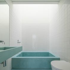 Image 14 of 26 from gallery of House Brotero / phdd arquitectos. Photograph by Francisco Nogueira Modern Bathroom, Small Bathroom, Bathroom Ideas, Bathroom Inspiration, Home Renovation, Home Remodeling, Brick And Wood, Interior Minimalista, Diy Bathroom Remodel