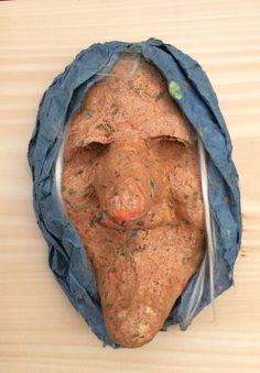 maske af ark på lerform