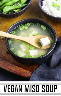 Easy Vegan Miso Soup This Vegan Miso Soup can be enjoyed all year long as a starter or a complete meal. It's light, healthy and packed with umami flavors. It requires 5 ingredients and will be on your table in 15 minutes! Easy Vegan Soup, Vegan Miso Soup, Vegetarian Soup, Vegan Soups, Soup Recipes, Whole Food Recipes, Vegan Recipes, Cooking Recipes, Chili Recipes