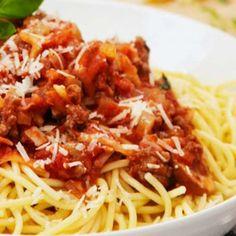 Okra, Bologna, Spaghetti, Ethnic Recipes, Food, Gumbo, Meals, Noodle