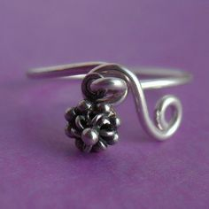 Sterling Silver Flower Dangle Ring by PaupersBounty on Etsy, $12.00