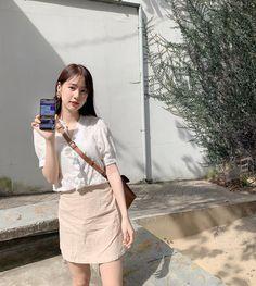 สายบุญทั้งหลาย SCB Easy 📱เค้าสามารถบริจาคเงิ� - pimtha Ulzzang Fashion, Korean Fashion, Korean Photo, Simple Style, My Style, Asian Style, Fashion Outfits, Womens Fashion, Skirt Outfits