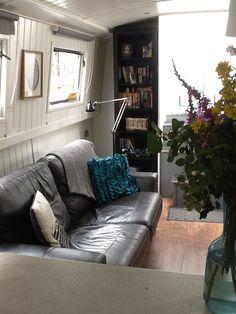 60 x 10 Widebeam Berkshire - Apollo Duck Barge Interior, Best Interior, Interior And Exterior, Mini Loft, Small Space Living, Small Spaces, Living Spaces, Canal Boat Interior, Canal Barge